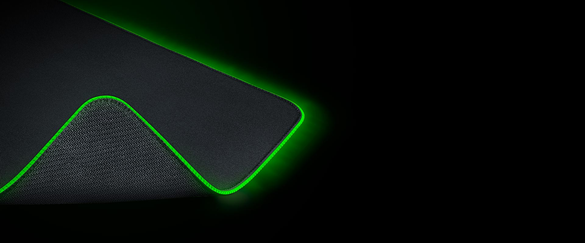 https://assets2.razerzone.com/images/pnx.assets/c9d3f46da252e9a4df43f3a8bad737ea/razer-goliathus-chroma-desktop-micro-textured-cloth-surface.jpg