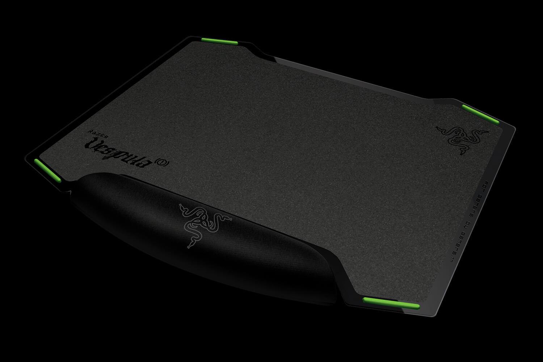 Razer Vespula Gaming Mouse Mat - Dual-Sided Mouse Mat - Razer United States