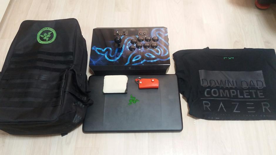Razer What's In Your Bag | Razer Hong Kong (en)